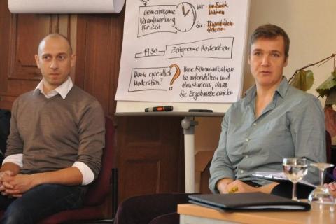 Die Moderatoren Britta Loschke und Pascal Engel waren Hüter der Tagesordnung und des Zeitplans