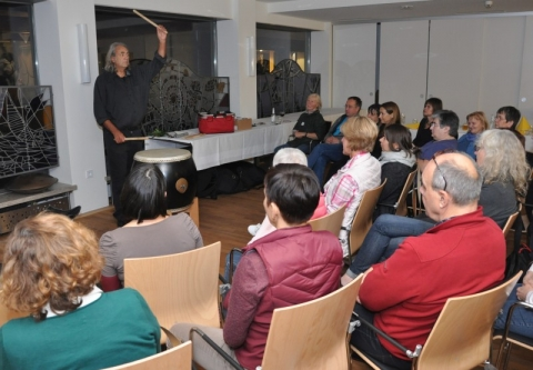 Am Abend ein feines Konzert mit japanischer Taiko-Trommel und Hand-Pans.