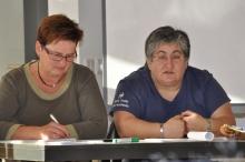 Geschäftstellenleiterin Monika Binder und Fotini Papadopulu