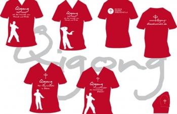 Rote T-Shirts mit Schriftzug der DQGG