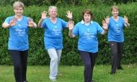 T-Shirts blau:  Qigong – Der Weg entsteht im Gehen